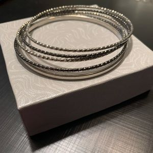 Lia Sophia bangle bracelet set